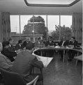 Bundesarchiv B 145 Bild-F024997-0005, Bonn, AA, Jahn empfängt Gewerkschafter aus SU.jpg