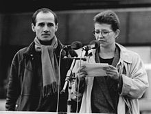 Bundesarchiv Bild 183-1989-1104-034, Berlin, Demonstration, Rede Schall, Mühe.jpg