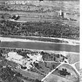Bundesarchiv Bild 195-2246, Rheinbefliegung, Istein.jpg