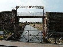 canal de desserte des anciens docks de Cambrai