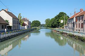 Canal lateraal a la Marne, Bisseuil.JPG