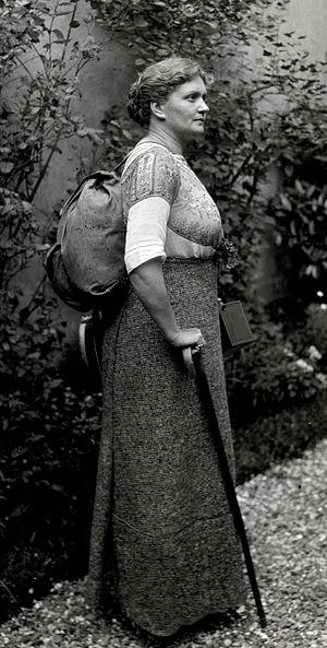 Caroline van Dommelen - Caroline van Dommelen c. 1914