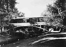 Casa del Puente - Amancio Williams.jpg