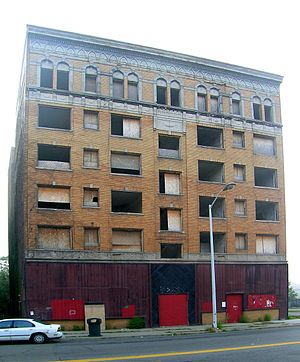 Cass–Davenport Historic District - Cass Plaza Apartments Before Renovation and Restoration