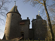 Castell Coch frontside January midday
