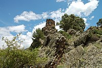 Castell medieval de Llort.jpg