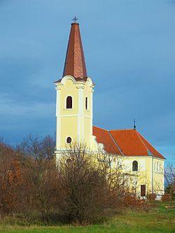 Catholic church in Egyed, Hungary, 2012.JPG