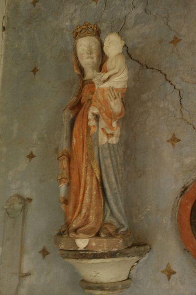 Statue polychrome du XVe représentant une vierge, La Chapelle Heuzebrocq, fr:Beuvrigny