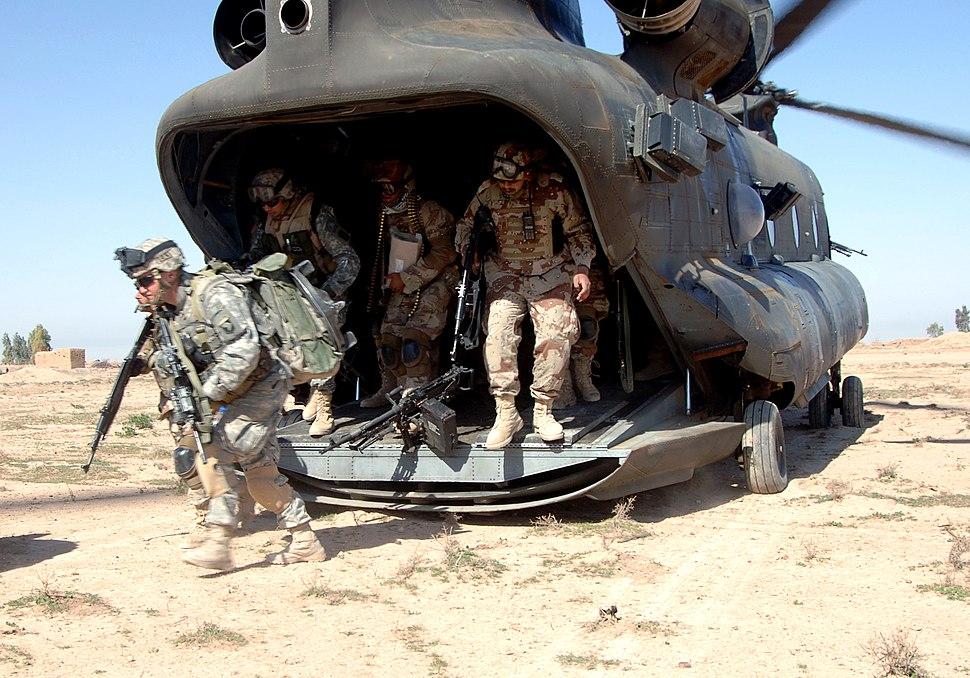 Chinook Iraq Operation Swarmer CH43 060316-N-5438H-011