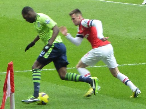 Christian Benteke vs Carl Jenkinson, Arsenal vs Aston Villa