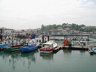 Ciboure - Ciboure, seen from the harbour of Saint-Jean-de-Luz