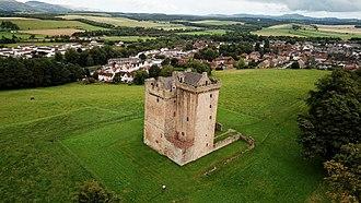 Clackmannan - Clackmannan Tower from the air