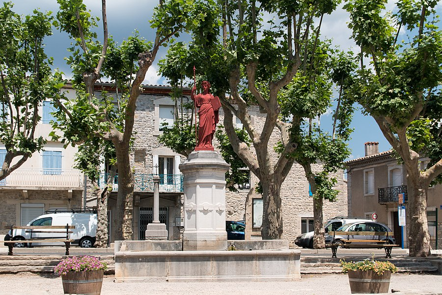 English:  Fountain of the Republic, square of the Hermet in Claret. In the background, a mission cross...