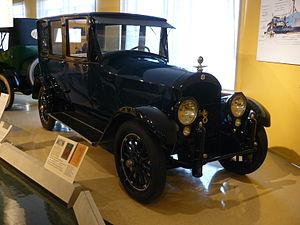 Cole Motor Car Company - 1919 Cole Aero Eight 885 Toursedan.