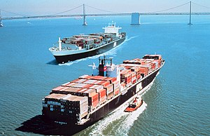 Twa conteener ships pass in San Francisco Bay
