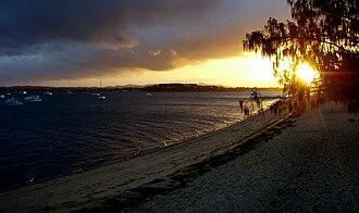 Coochiemudlo Island - Image: Coochiemudlo Beach Sunset