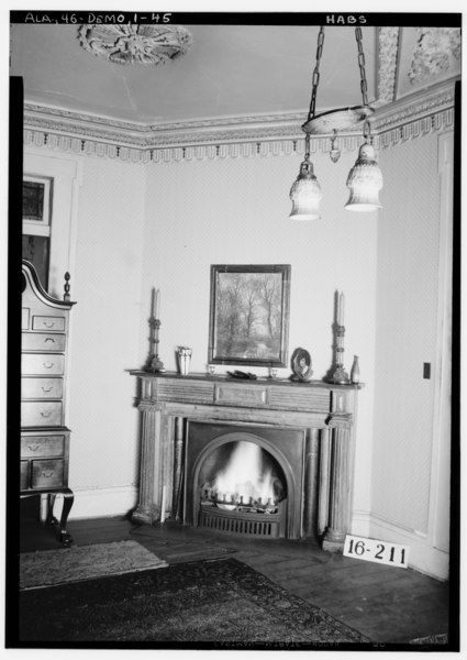 File corner fireplace master 39 s bedroom 1934 gaineswood for Master bedroom corner fireplace