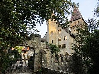 Cressier, Neuchâtel - Image: Cressier château Jeanjaquet