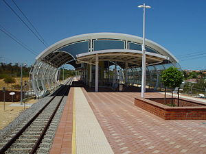 Currambine railway station - Northbound view in February 2005
