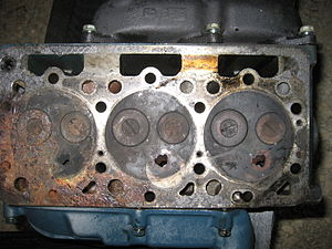 English: Cylinder head of a small Kubota indir...