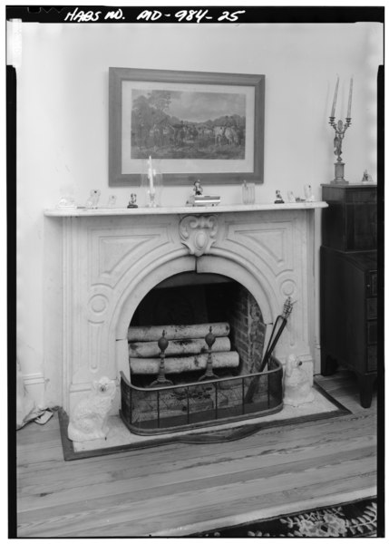 File:DETAIL VIEW OF MANTEL IN NORTHEAST PARLOR FIRST FLOOR, NORTH WALL - Bowling Heights, 3610 Old Crain Highway, Upper Marlboro, Prince George's County, MD HABS MD,17-MARBU,8-25.tif