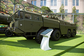 Dongfeng (missile) - A DF-11 TEL.