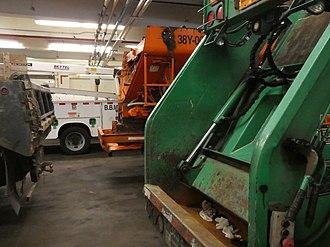 New York City Department of Sanitation - Image: DSNY Maintenance Garage Woodside Queens