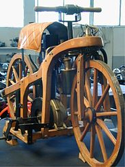 Daimler's riding car from 1885 (replica)