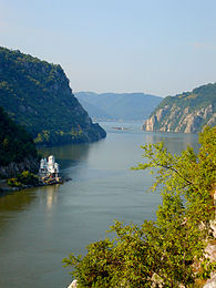 Danube near Iron Gate 2006 3.JPG