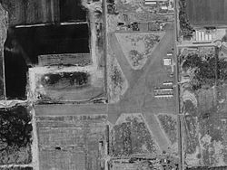 Davis Airport Michigan 2D8 USGS 07-Apr-1999.jpg