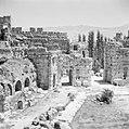 De 'zeshoekige hof' in de Romeinse ruïnes in Baalbek, Bestanddeelnr 255-6492.jpg