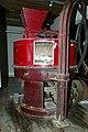 De Bloemmolens van Diksmuide Gietijzeren maalstoel (met koppel maalstenen) van LMS - 373165 - onroerenderfgoed.jpg