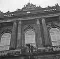 De koninklijke familie op het balkon van paleis Brockdorff ter ere van de verjaa, Bestanddeelnr 252-8663.jpg