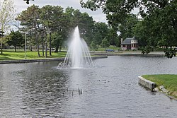 Deering Oaks Park and fountain, Portland, ME IMG 1838