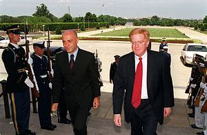 Marco Minniti - Minniti with U.S. Deputy Secretary of Defense Rudy de Leon, in July 2000.