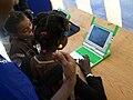 Des enfants avec l'ordinateur à 400$.JPG