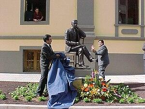 Descubrimiento estatua Manuel Velázquez Cabrera