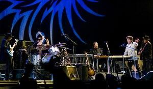 Never Ending Tour 2004 - Image: Dylan 1 Spectrum