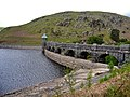 Elan Valley Dams and bridge - panoramio.jpg