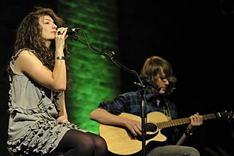 Lorde - Lorde (left) and Louis McDonald (right) performing at The Vic Unplugged in 2010