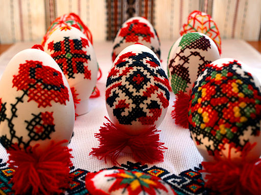 Embroidered eggs by inna forostiuk