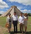 Enrique Peña Nieto y Xi Jinping en Chichen Itzá.jpg
