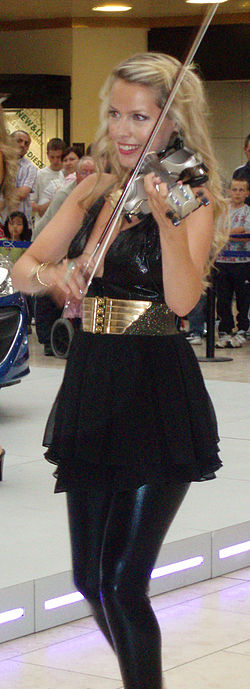 Eos Chater - Metrocentre 2009.jpg