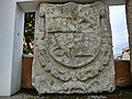 Escudo real coas armas da Galiza na praça do concelho de Neda (2).jpg