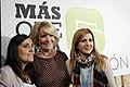 Esperanza Aguirre junto a Beatriz Jurado y Ana Pérez (10875008273).jpg