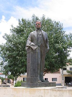 Epitácio Pessoa - Statue honoring Epitácio Pessoa
