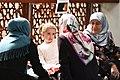 Familie på 1. sal i moskeen (42027434771).jpg