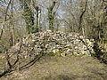 Feigneux (60), église Notre-Dame de Morcourt, pierres provenant des parties détruites de l'église.jpg