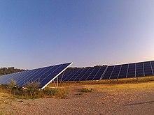 Ferme solaire de 6 MW sur un terrain de 11 ha en France, installée en 2011  (durée d exploitation prévue   30 ans). 987d7b5a7987