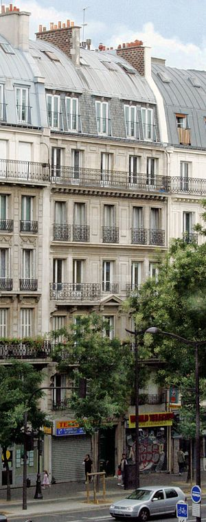 Boulevard de Magenta - An immeuble de rapport on the boulevard de Magenta